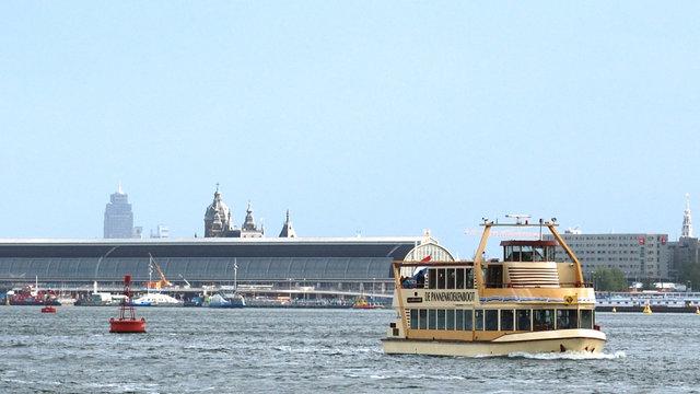 Pannekoekenboot Amsterdam op het IJ