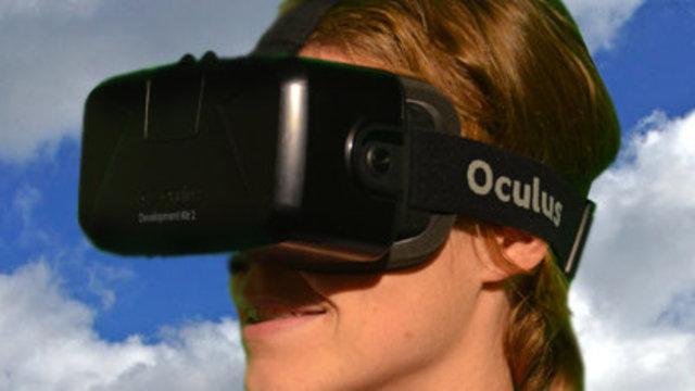 Meisje bekijkt geschiedenis Volendam door virtual reality bril