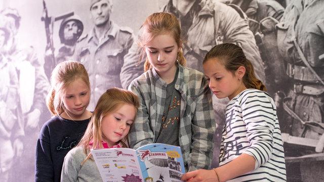 Speurtocht kinderen door het Airborne Museum