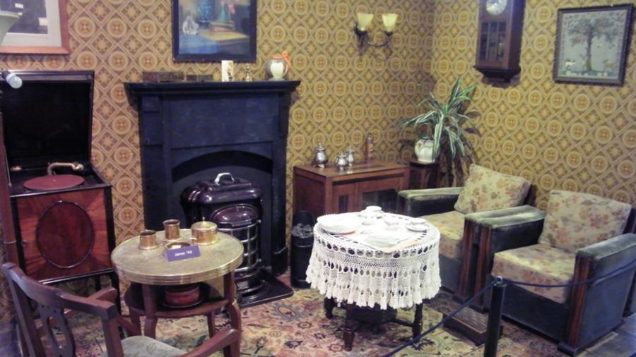Huiskamer jaren 40 in het Museum van de Twintigste Eeuw