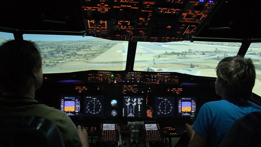 Flight Simulator Boeing 737 landing Los Angeles