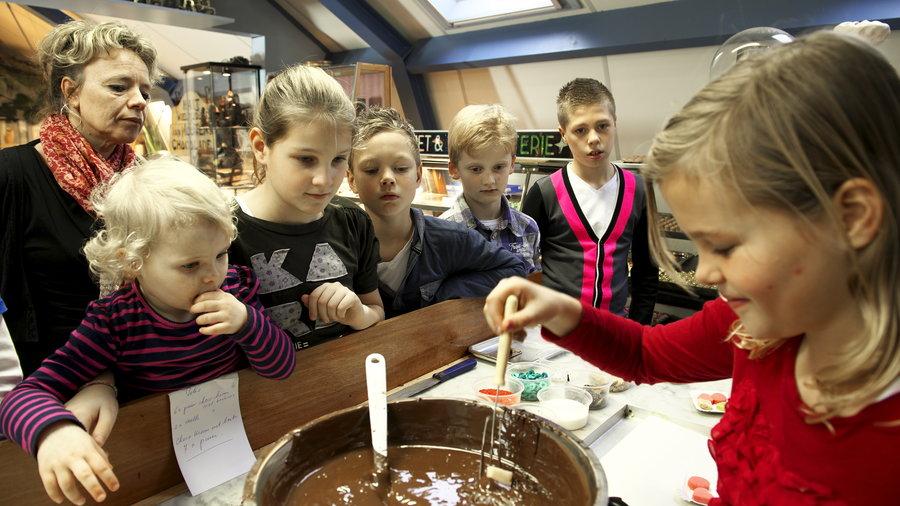 chocolade maken bij de oude bakkerij in medemblik