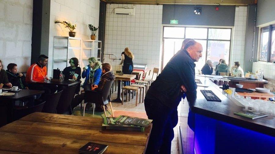 Drankjes drinken na het lasergamen bij Laserloods Nijmegen