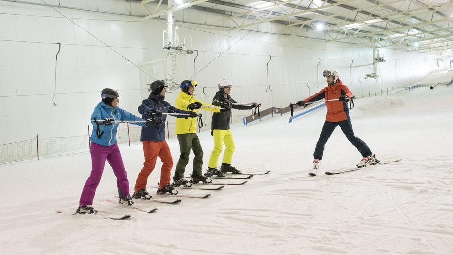 Leer skiën in een groep bij Skidôme Terneuzen.