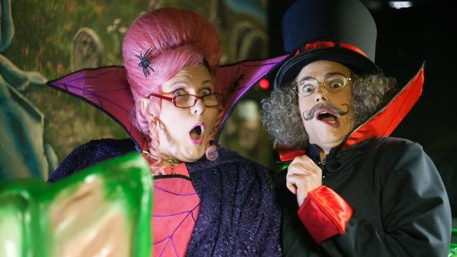 Griezelen met Meneer Kaasgaaf en Mevrouw Suikerspin in Kinderpretpark Julianatoren