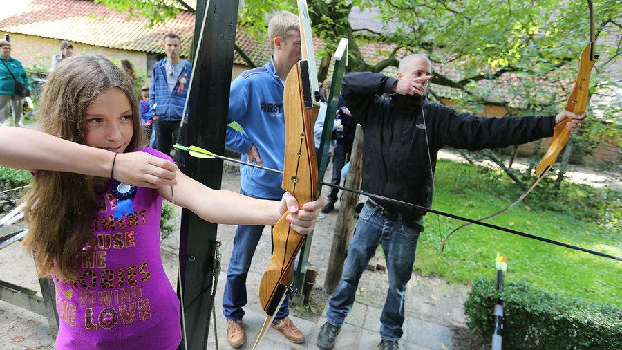 Leer boogschieten in het Nederlands Openluchtmuseum