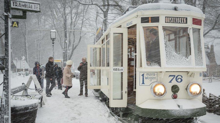 Tram in de sneeuw
