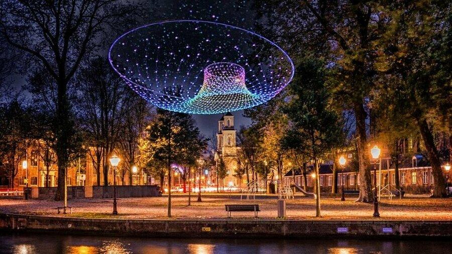 Lichtkunstwerk tijdens het Amsterdam Light Festival