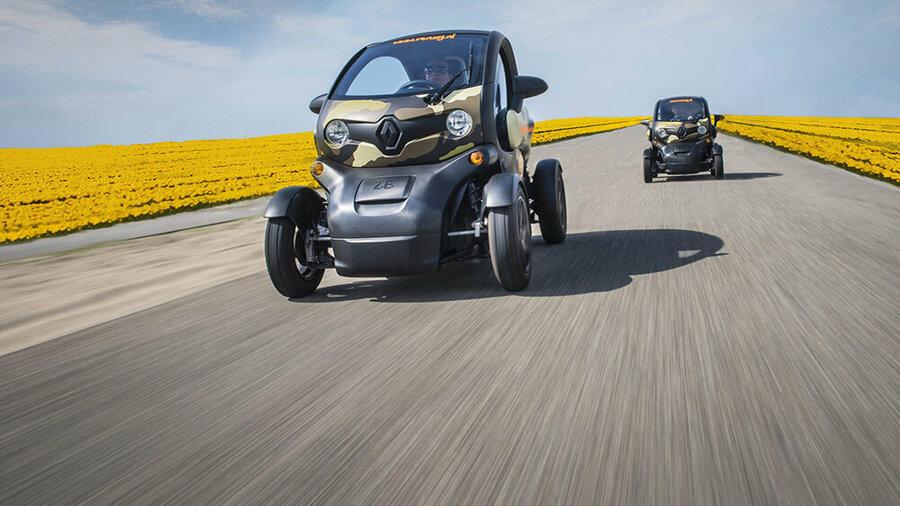 Elektrische Renault Twizy's in de Bollenstreek