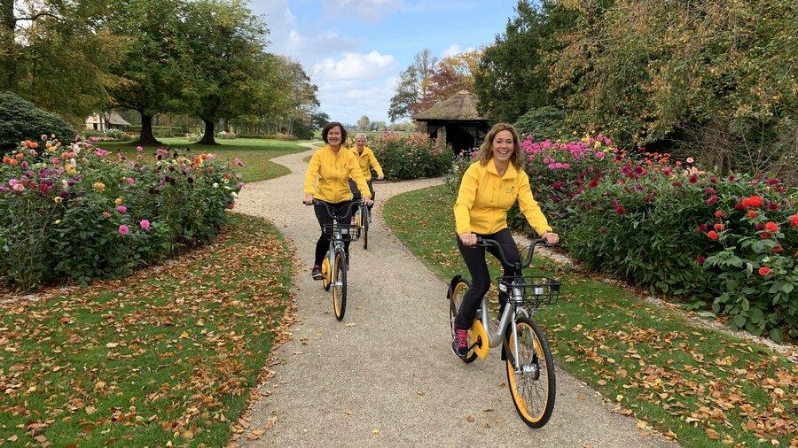 Op de fiets door parken en door de tulpenvelden