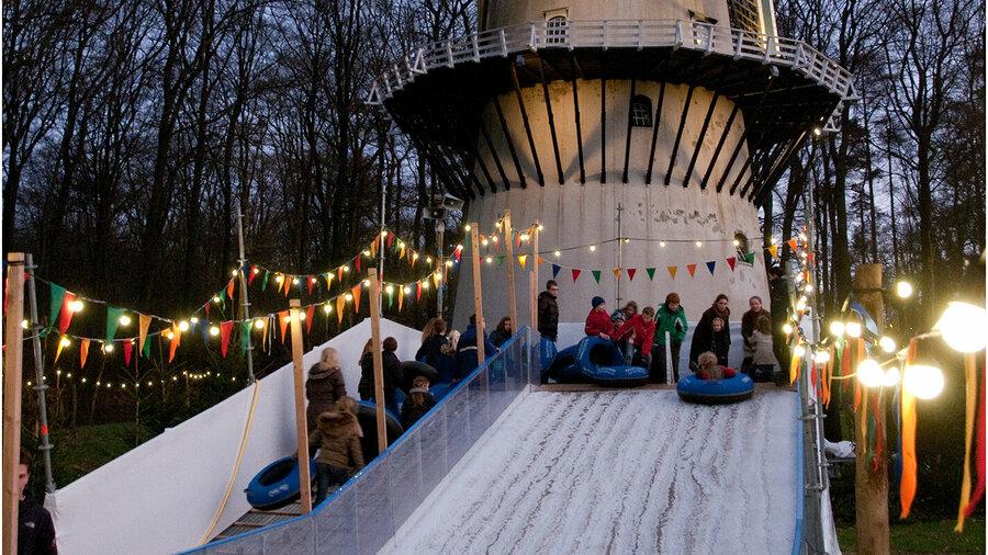 Sleeën in een winters Nederlands Openluchtmuseum!