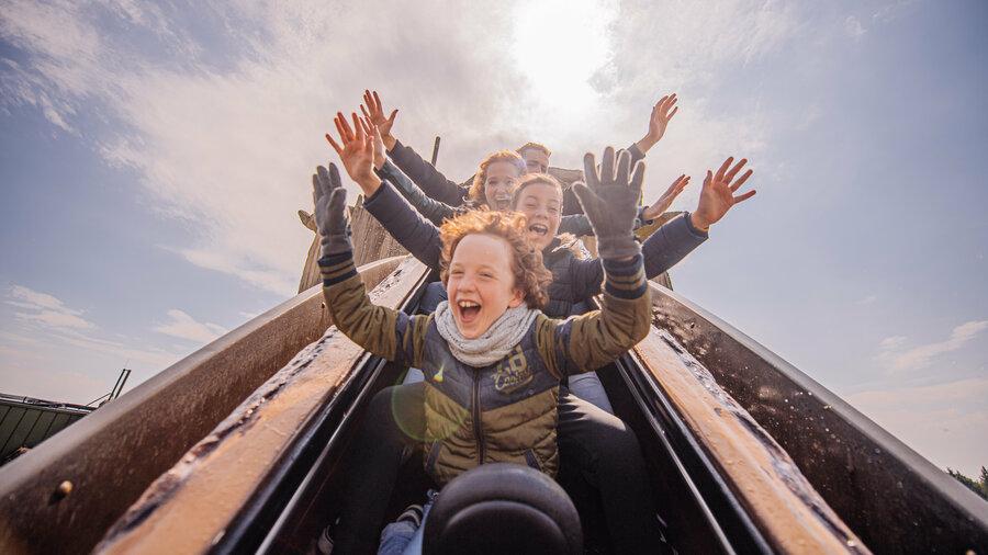 Ook in de winter gezellig een dag naar Attractiepark Toverland!