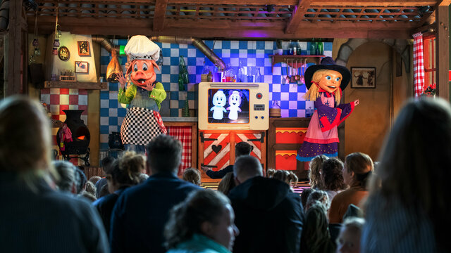 Beleef de show van Toos en Morrel in Attractiepark Toverland