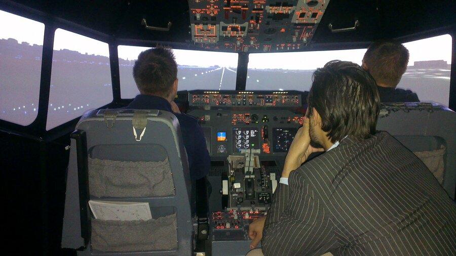Flight Simulator Boeing 737 Schiphol 2 piloten met begeleider