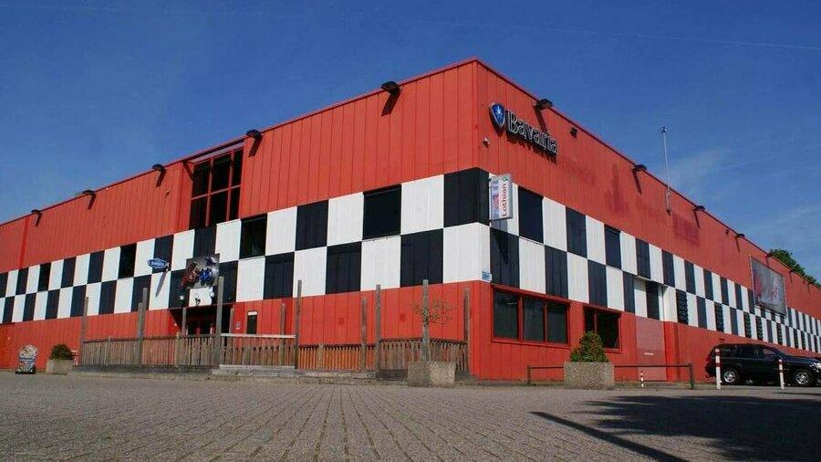 Gebouw family entertainment center Lot66 Breda