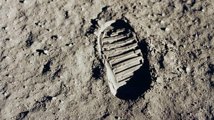 Schoenafdruk op de maan
