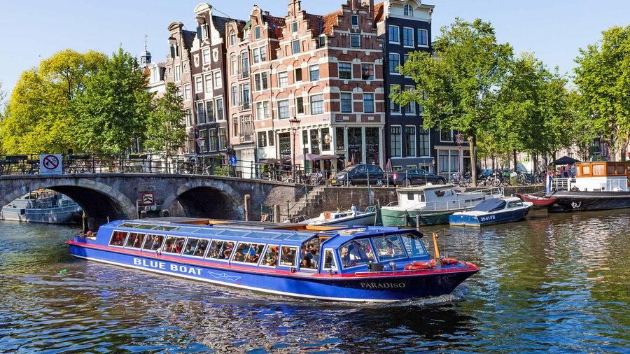 Paradiso rondvaartboot van Blue Boat Amsterdam