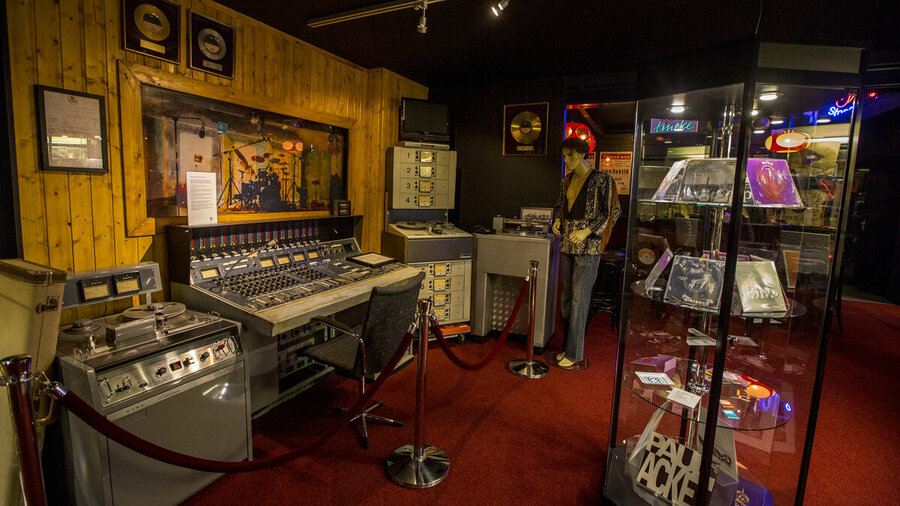 Mengtafel in tentoonstelling Museum RockArt