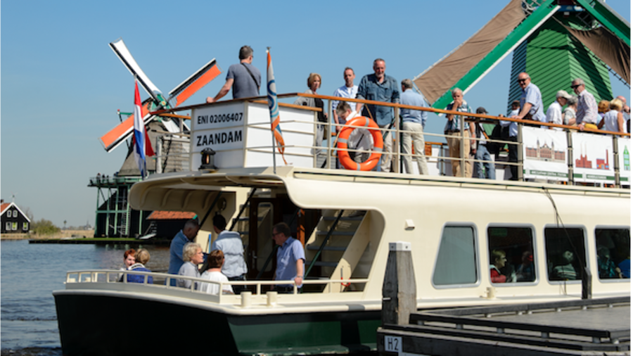 Mensen op een boot