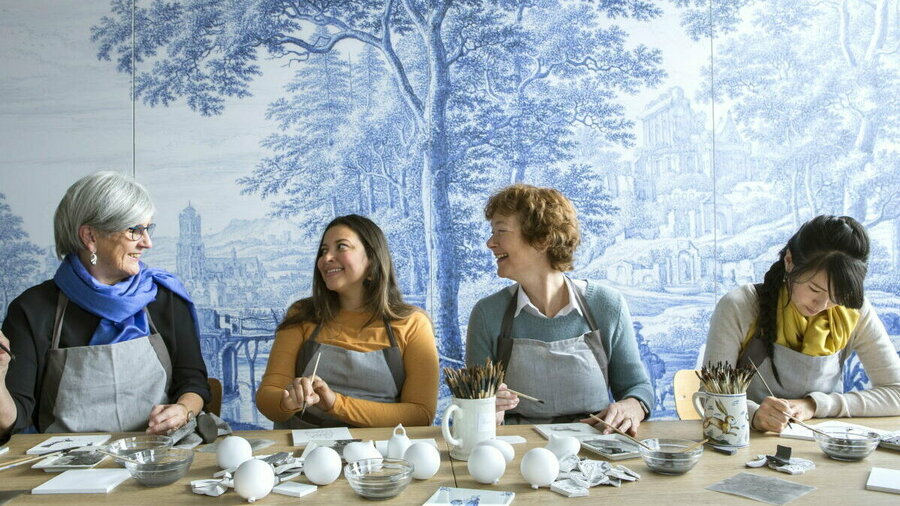 Workshop Delfts Blauw schilderen in Royal Delft Experience