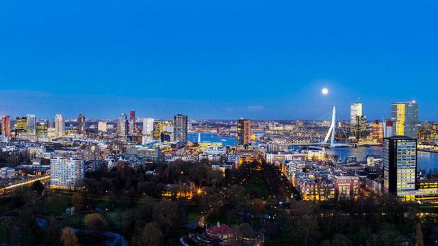 Uitzicht vanaf de Euromast in Rotterdam