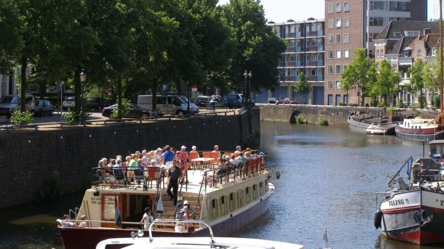 Rondvaart door het centrum van Den Bosch op een zonnige dag