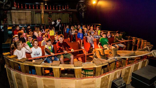 Kinderen in een schip