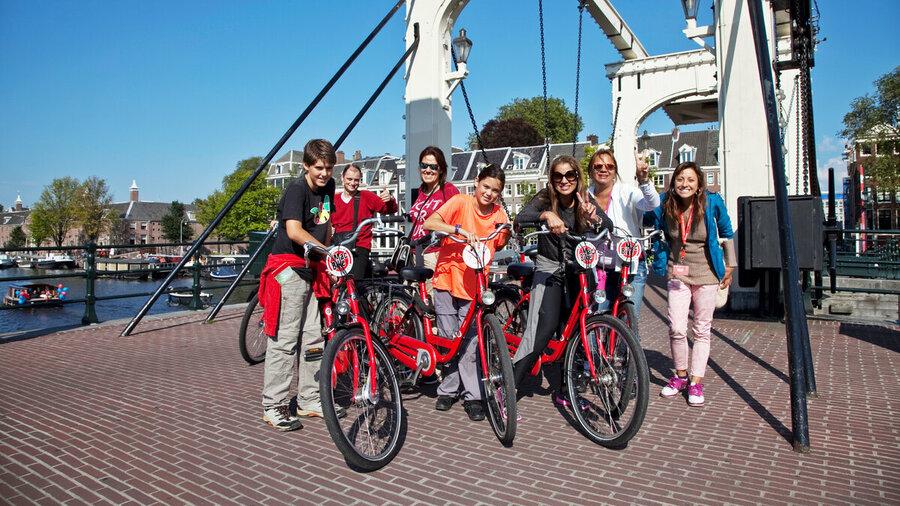 Met de hele familie op de fiets door Amsterdam