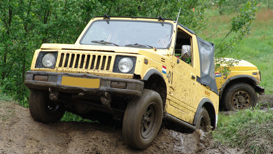 Jeep die off road rijd
