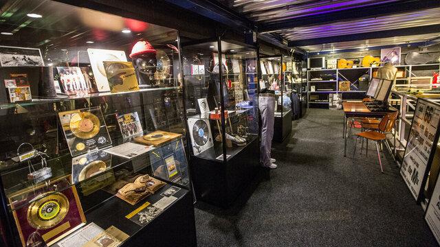 Historische gouden platen in Museum RockArt