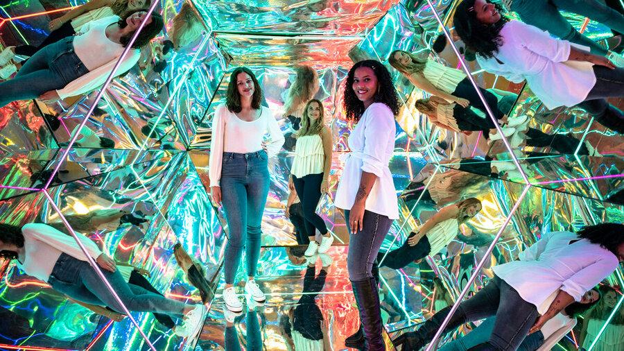Spiegelkamer in Instagram-museum WONDR in centrum Amsterdam