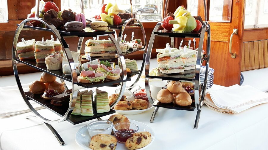 High tea rondvaart salonboot Amsterdam Rederij Aemstelland