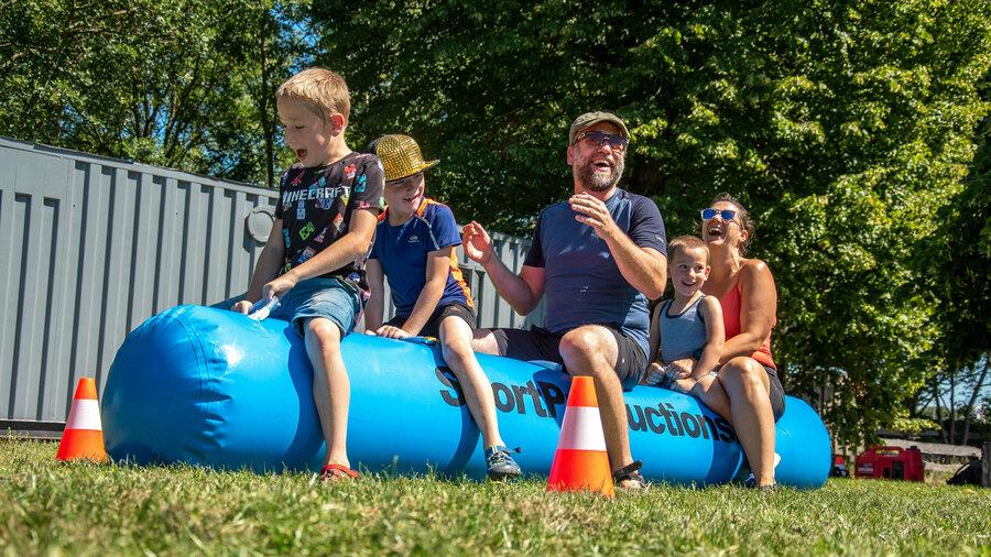 Lachen, gieren, brullen voor kinderen tijdens de sportieve kinderfeestjes van Sportproductions.