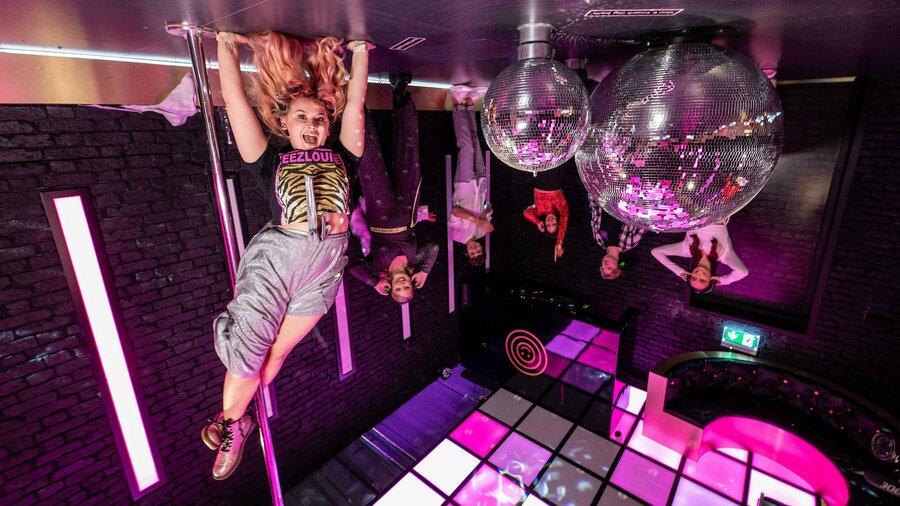 Ondersteboven in The Club bij The Upside Down Amsterdam