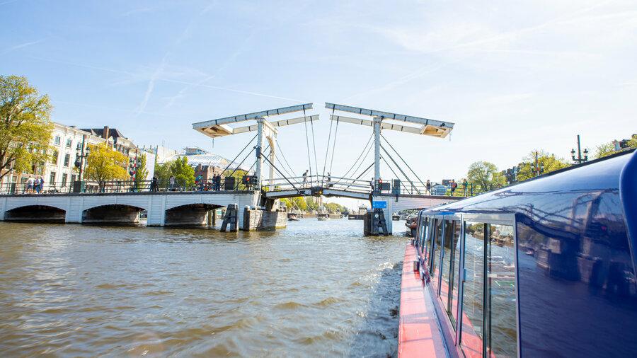 Ontdek de grachten van Amsterdam met Blue Boat Company